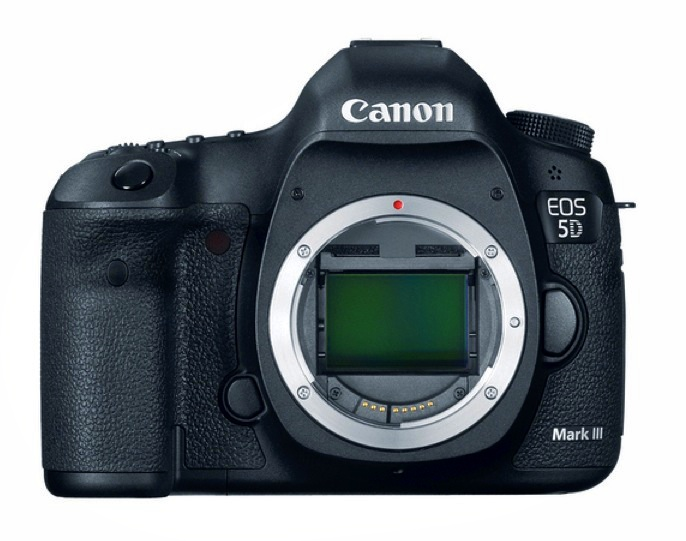 New-Canon-EOS-5D-Mark-III-aparat-foto-vedere-frontala