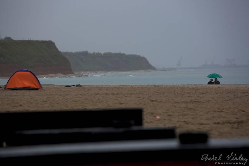 Vama Veche AVPhotography Weekend Foto -21 cortul portocaliu umbrela verde vreme ploioasa
