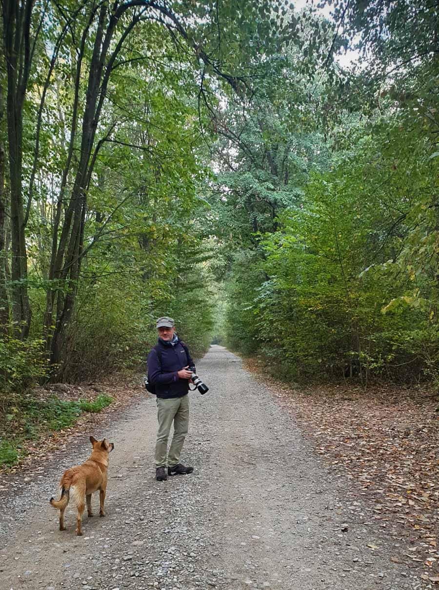 Fotograful si animalul de companie. O relatie ad-hoc in mijlocul Parcului Natural Comana.